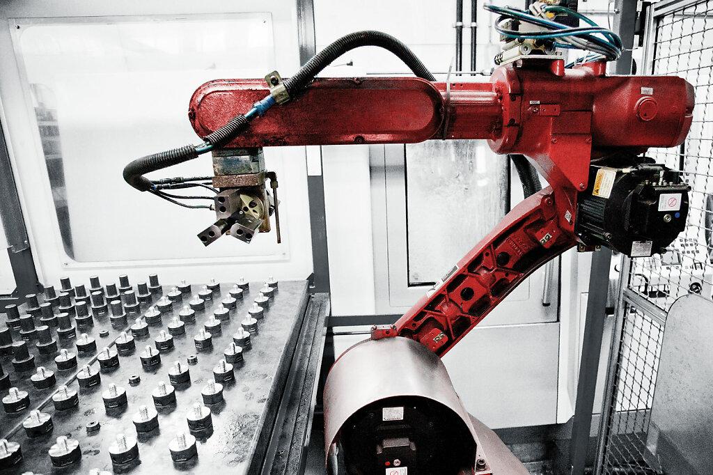 JDT Theile, Robotics