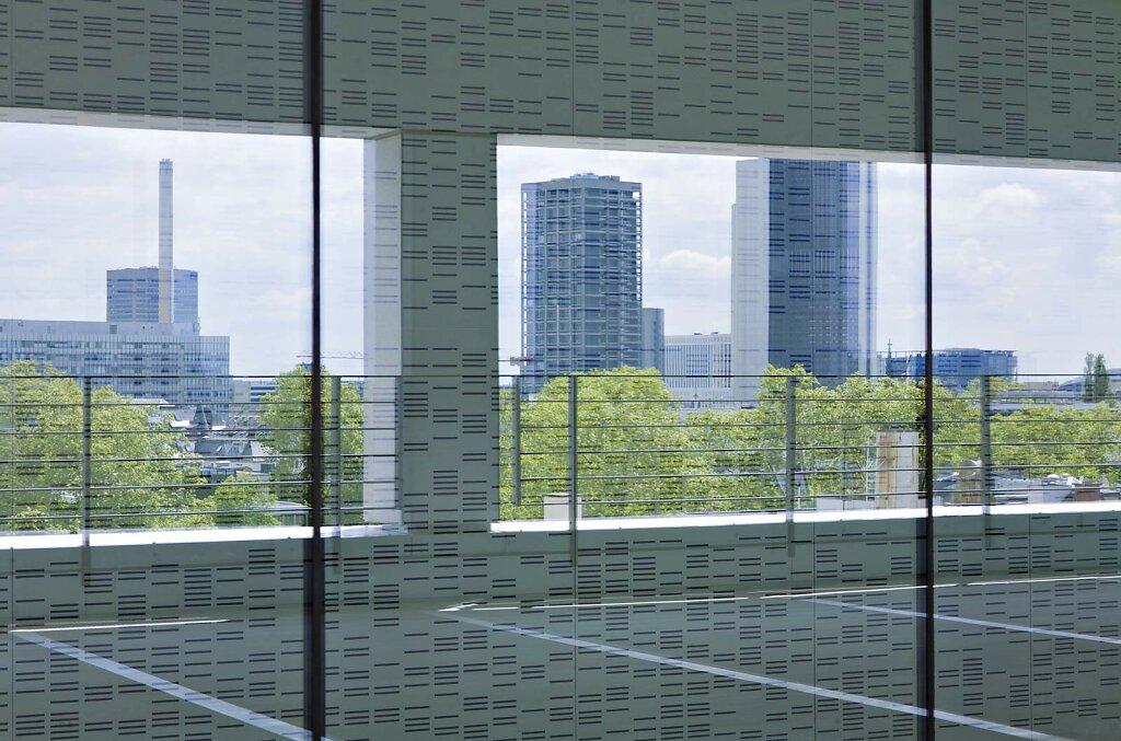 Frankfurt, Spiegelung der Skyline